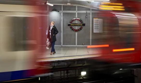 light-end-tube-tunnel-2